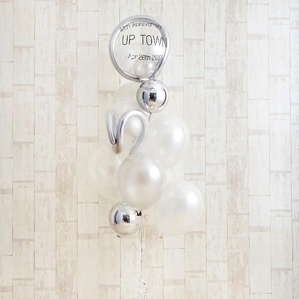 記念日のお祝いに、エレガントな白×銀アレンジ[10]