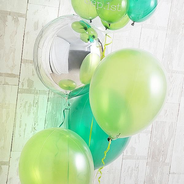 明るく鮮やかなペリドットグリーン[4]