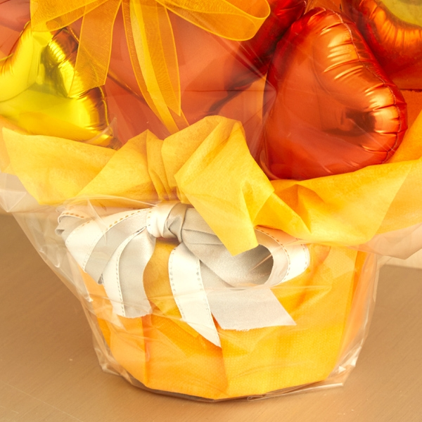 元気をくれる、鮮やかオレンジバルーンポット[2]